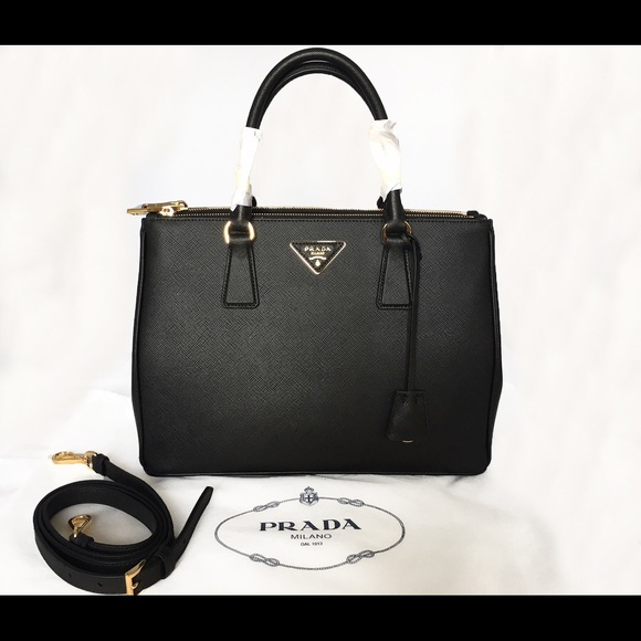 15797965dde8 Prada Saffiano Leather black Tote Handbag 1BA274